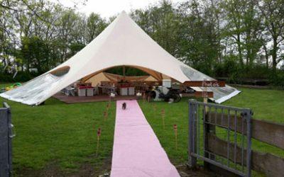 Starshade Tent bij Bruiloft Carine en Leen