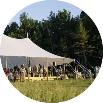 ivory tent bruiloft